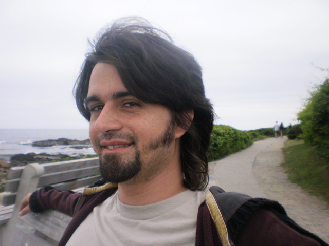 Dave Côté, auteur de Noir Azur, un roman de science-fiction proposé par la maison d'édition Les Six Brumes