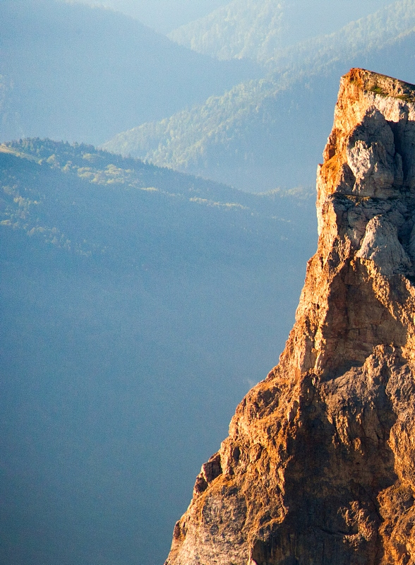 Les falaises du Mont-Aiguille