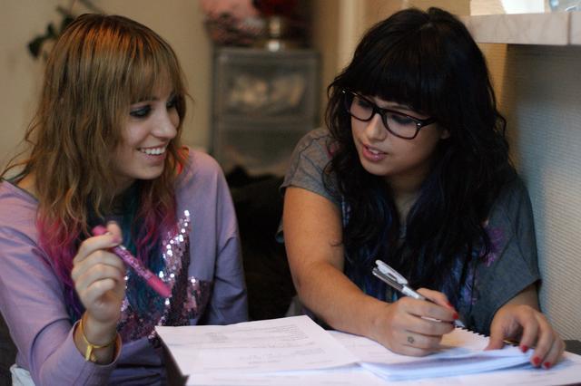 Emilie et Leah en plein travail